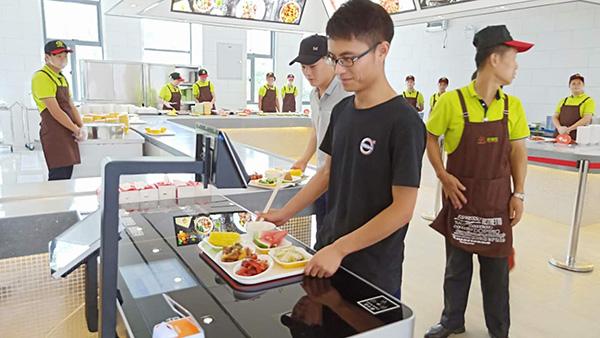 学校智慧食堂系统相对于传统食堂的解决方案